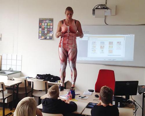 biology-teacher-spandex-anatomy-class-1