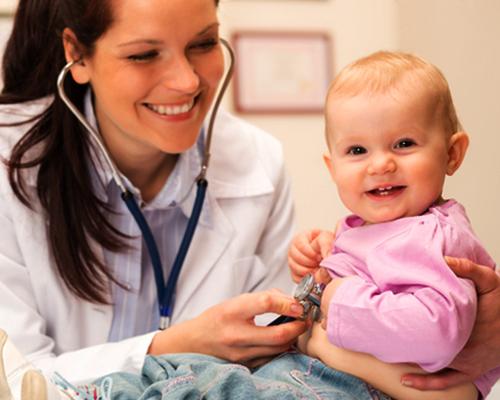 Лекарите в училищата и детските градини трябва да лекуват децата с хронични заболявания