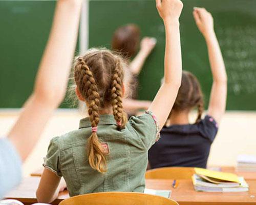 По-малките ученици ще учат повече