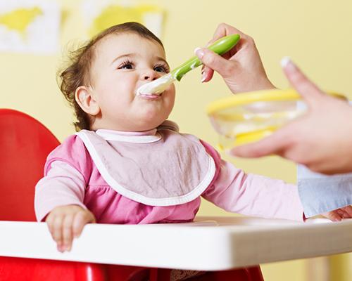 Примерно безмесно меню за деца от 8 до 12 месеца