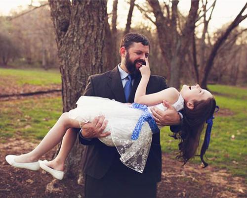 Как един баща превърна момиченцето си в принцеса