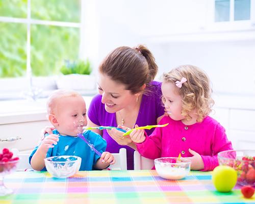 Примерно дневно меню за бебето на възраст от 8 до 12 месеца