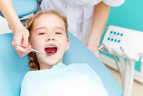 Сдружението на българските зъболекари иска държавата да поеме лечението на деца, бременни и спешни случаи