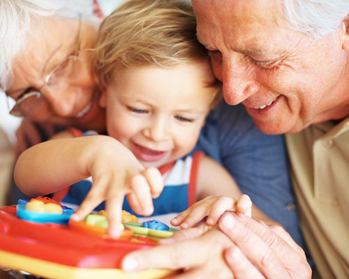 Защо всеки трябва да има баба?