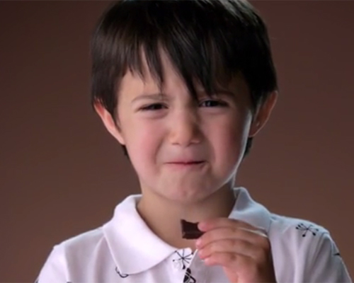 Видео на седмицата: Черен шоколад? Не, мерси!
