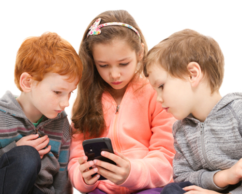 Социалните мрежи съсипват самочувствието на децата