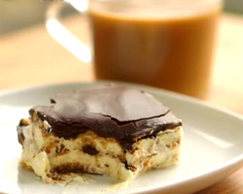 Лесен еклеров кейк без печене