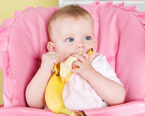 Захранването – приключение, водено от бебето