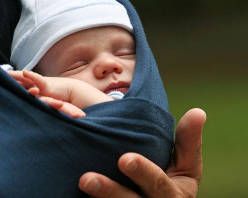 Кенгуру-грижата и недоносеното бебе