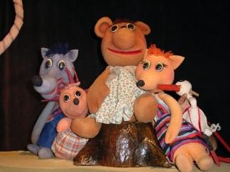 От любов към децата и театъра