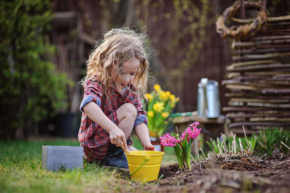 Детски стихчета за Лазаровден и Цветница
