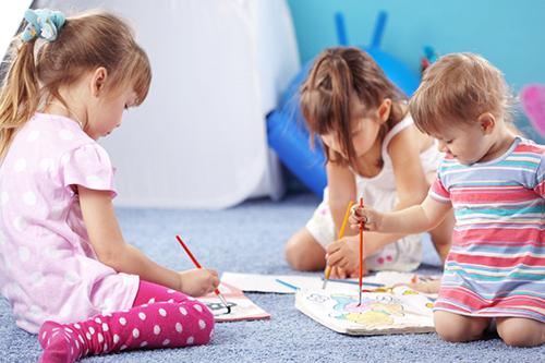 """Безплатна ваканционна работилница """"Играя и зная"""" кани децата за интересни занимания"""