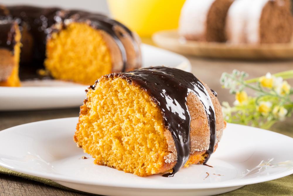 Бразилски морковен кейк