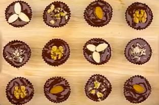 Домашни шоколадови бонбони с ядки