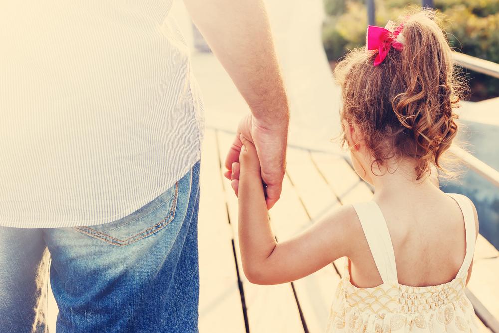 Правата ми: Как се установява и оспорва бащинство?