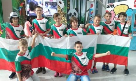 11 медала спечелиха българчета на олимпиадата по математика в Сингапур