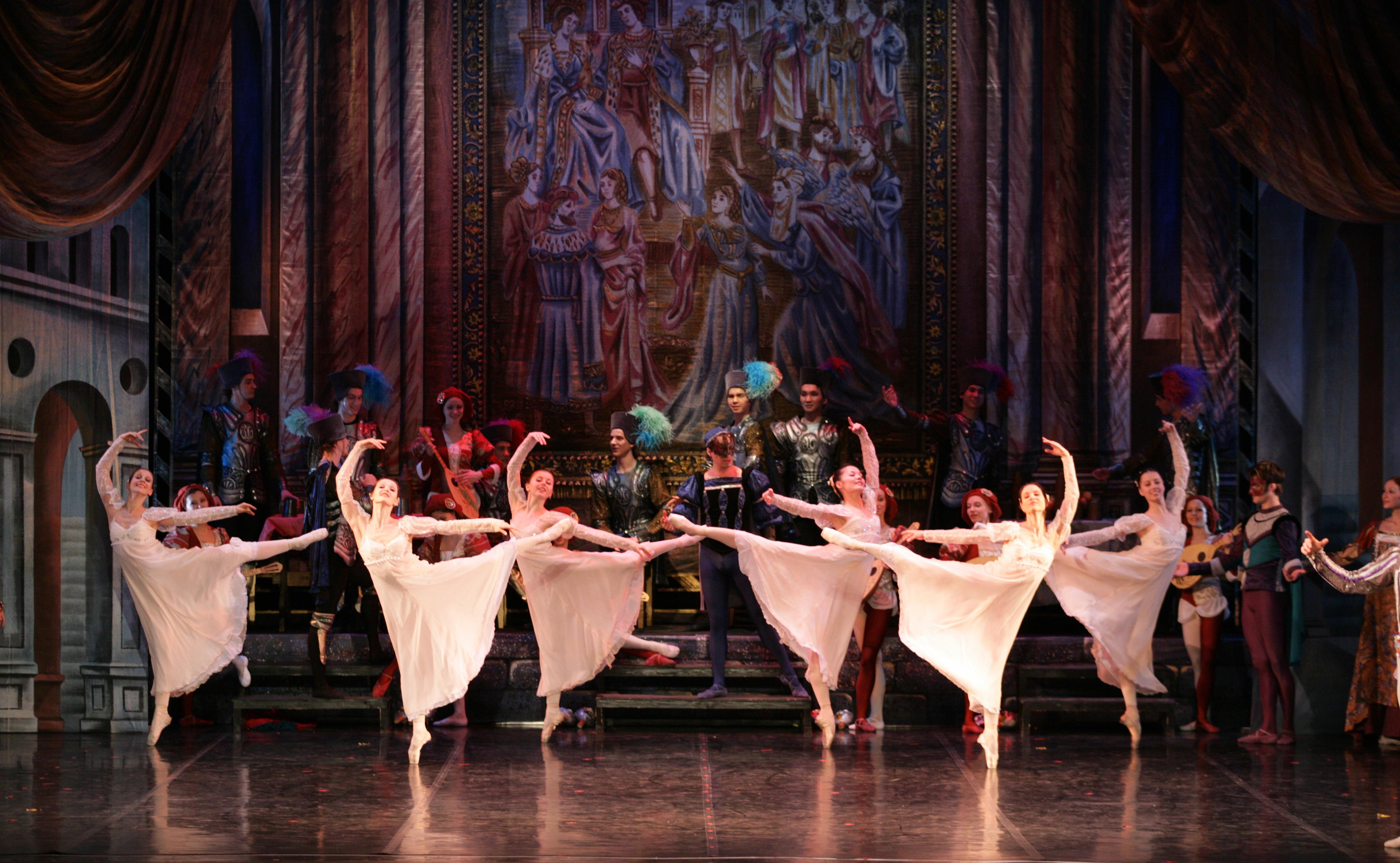 Кой спечели двойна покана за премиерата на Московския сити балет