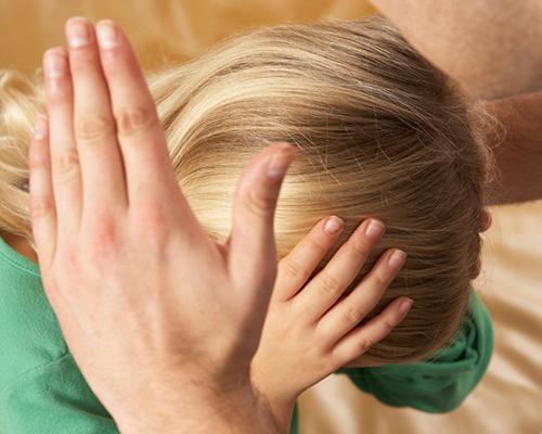 Стресът в детството води до по-бързо остаряване