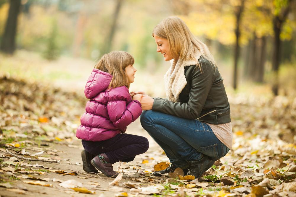 Съвети за родители: Как да разговаряме с децата за COVID-19