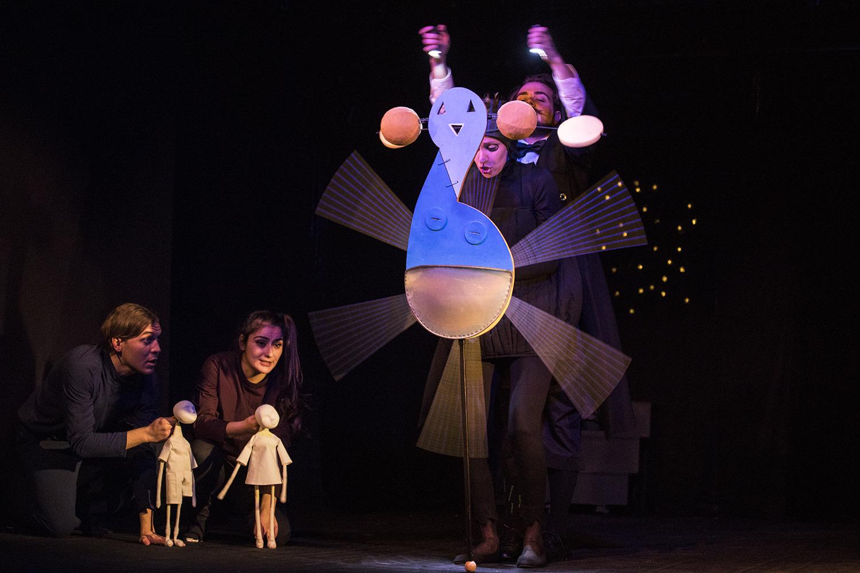 """""""Светулки"""" в театър 199 и вълшебният свят на думите"""