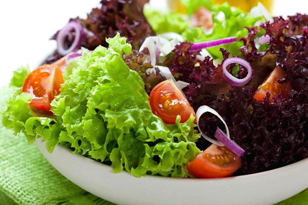 Зелената салата: рецепти за презареждане