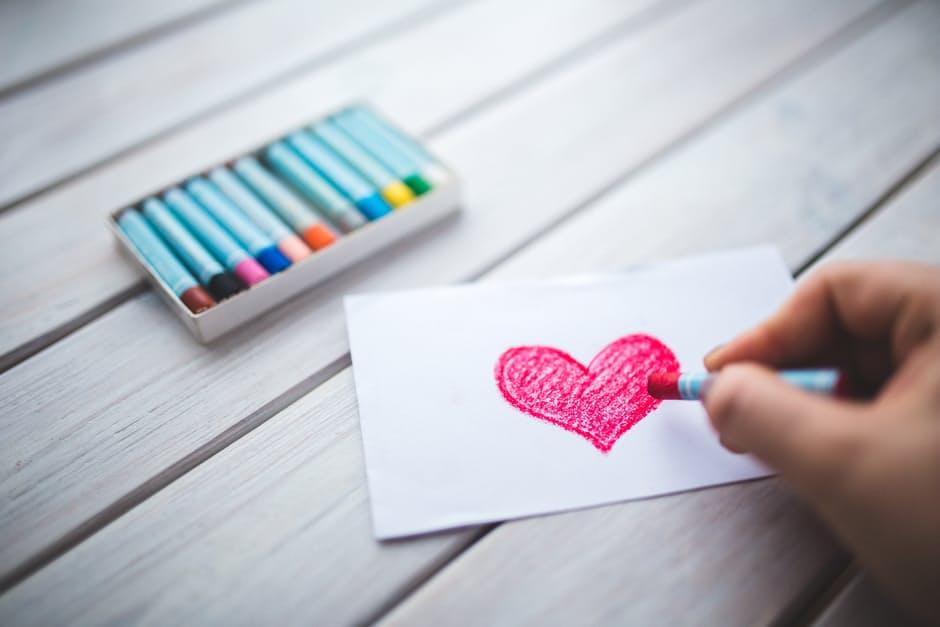 """""""Любовта не може да преодолее потока на живота. Може би защото любовта е самият живот"""": 25 цитата от Елчин Сафарли"""