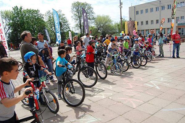 """Детско велосъстезание и куп предизвикателства на """"Байк и рън за Чепън"""""""