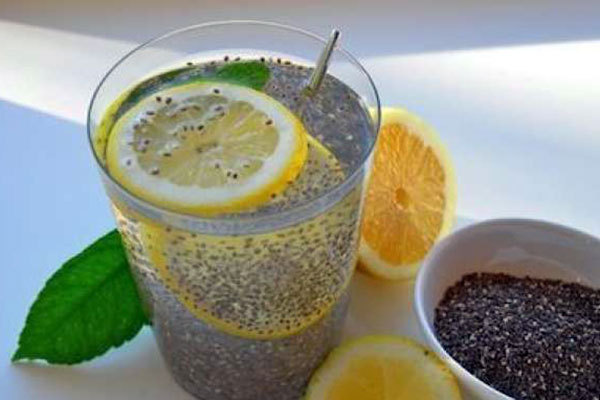 lemon-water-with-chia-seeds_k