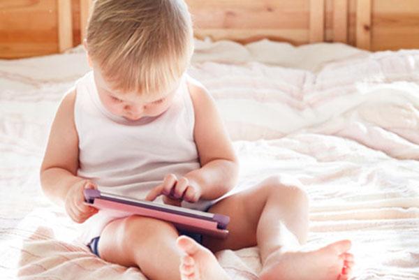 САЩ ограничава продажбата на смартфони за най-малките
