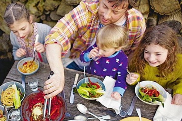 """Родители стават посланици на """"Food Revolution"""""""