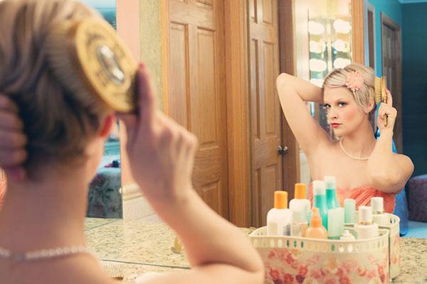 Бъди красива, мамо: тенденциите в грима, прическите и миникюра за това лято