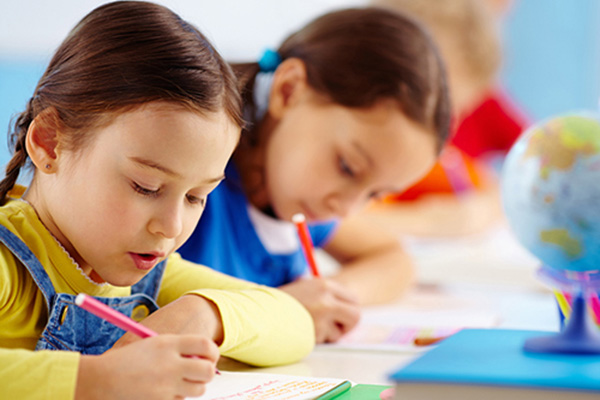 МОН разработи програма за образователна десегрегация