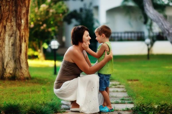 Как да разговаряме с детето по пътя към самостоятелност