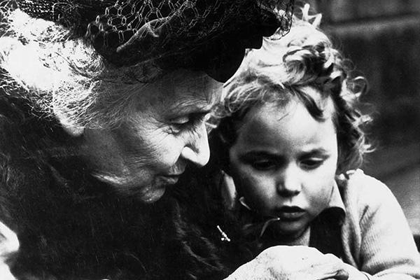 25 сентенции за децата и образованието от Мария Монтесори