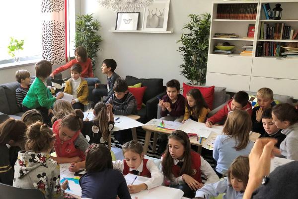 """NN България  представи иновативно помагало с детски финансови игри – """"За парите и други важни неща: Първи стъпки"""""""
