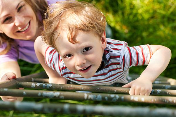 Как да помогнем на децата да изградят увереност и самоуважение