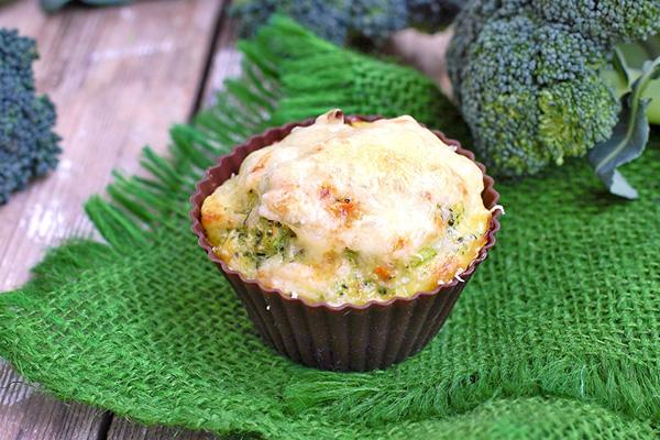 Вкусно от кухнята на Първите седем: Мъфини с броколи (рецепта)