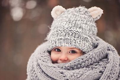 Дрехите, които да изберем, ако детето има чувствителна и раздразнена кожа