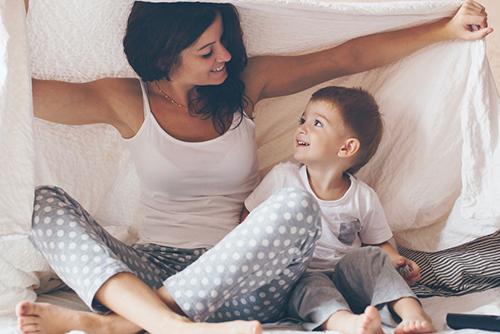 Година платено майчинство и за осиновено бебе