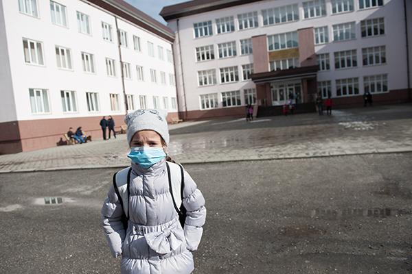 Предпазва ли ни хирургическата маска от грип