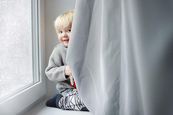 """Ту-ту-бау"" и как криеницата помага за развитието на детето"