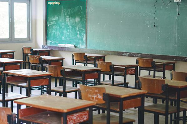 Родителите, които лишават децата си от образование, ще подлежат на съдебни санкции