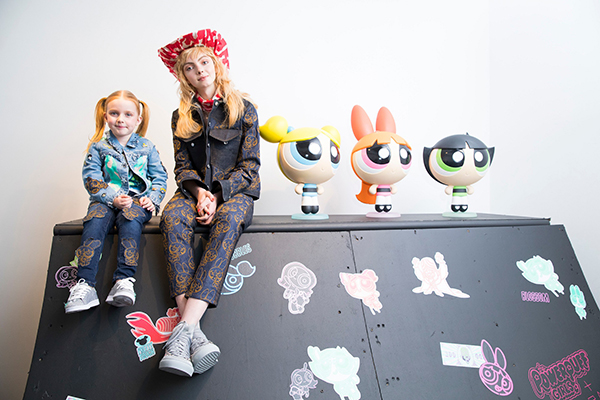 """""""Реактивните момичета"""" вдъхновиха британската дизайнерка Кейти Иъри за първата й изцяло дамска колекция"""
