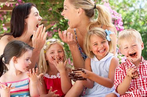 Петте приятелки, от които всяка майка има нужда и съвети къде да ги намери