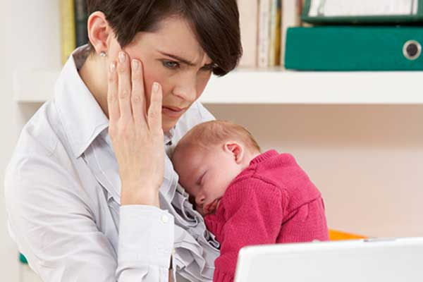 Оглупяват ли жените по време на майчинство