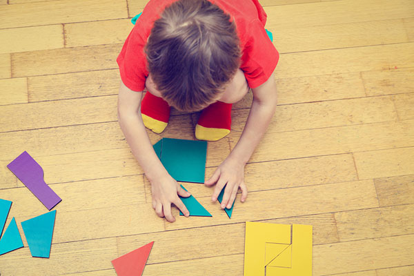 Забавни игри с лист и химикал