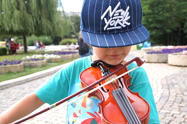 """Безплатни концерти """"От деца за деца"""" през май и лятно музикално училище от 4 юни"""