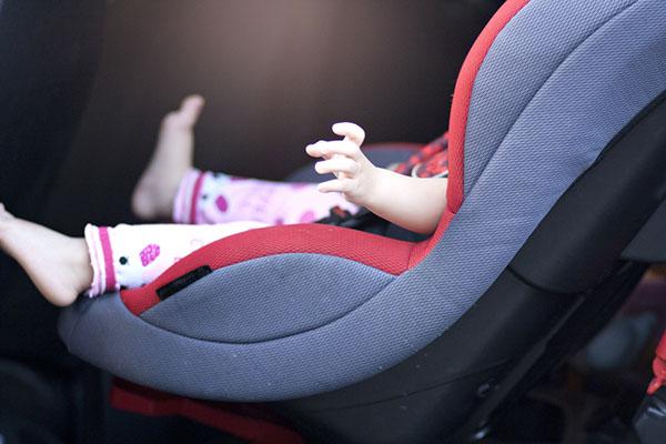 Правата ми: Внимание! Дете в колата