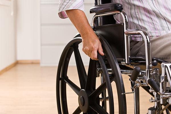 Държавата предлага защитата от уволнение на хора с увреждания да отпадне