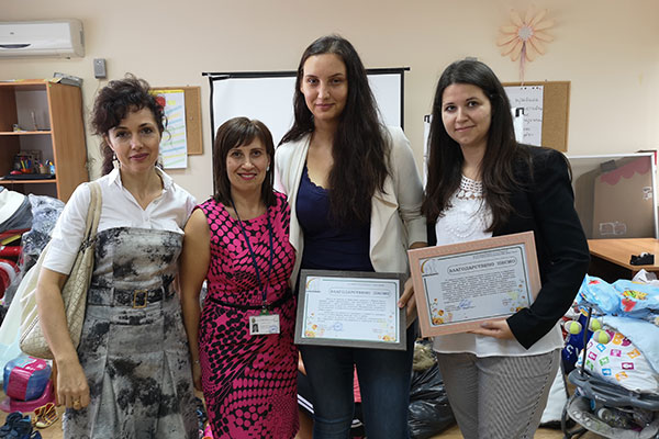 "Инициативата ""От мама за мама"" зарадва 30 бургаски семейства"